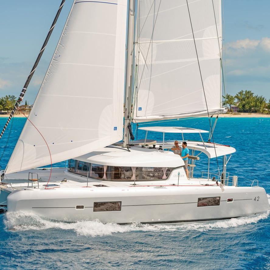 Zeilmiddag op de catamaran van Expert Trainers - Stavoren